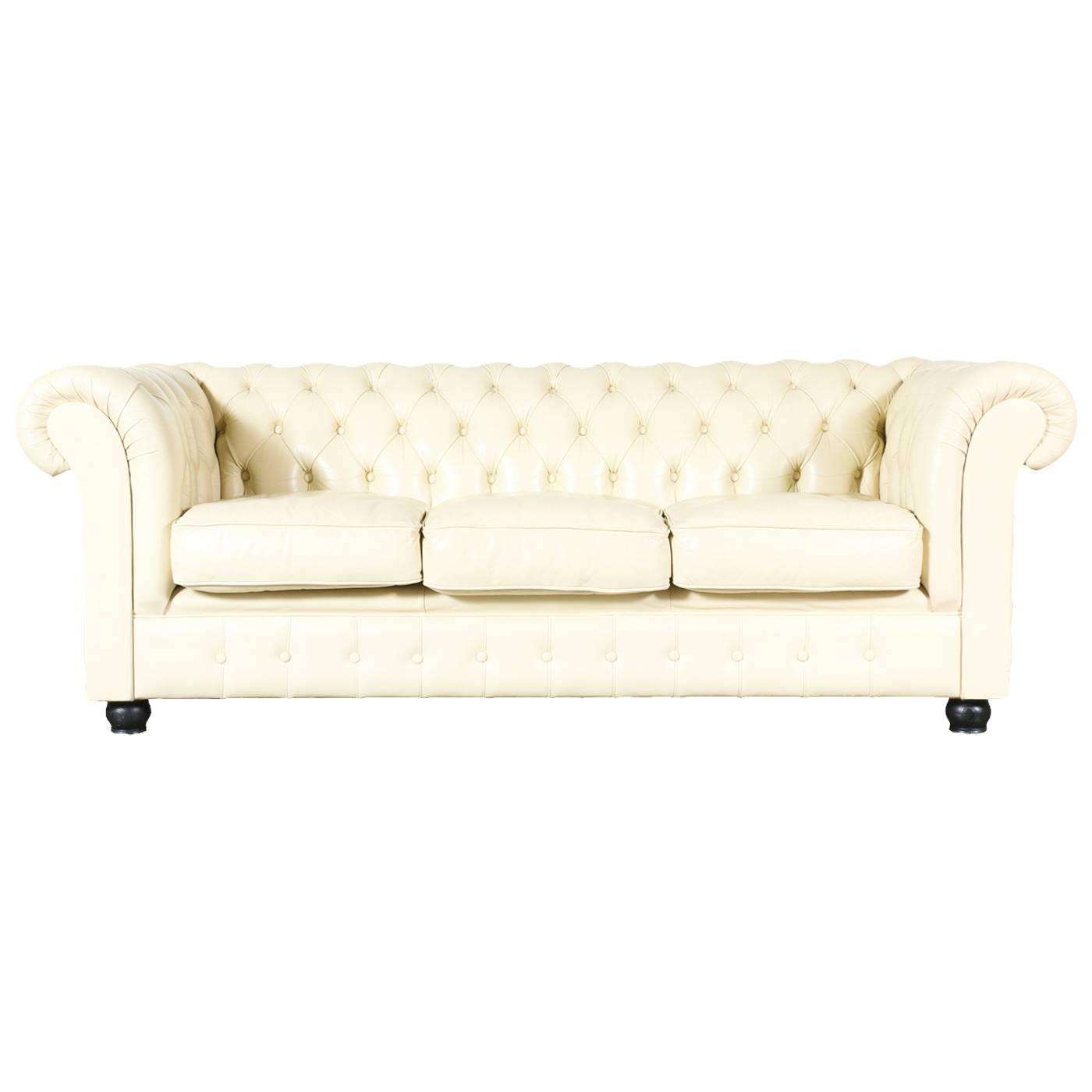 Vintage beige leather chesterfield sofa at 1stdibs - Canape chesterfield beige ...