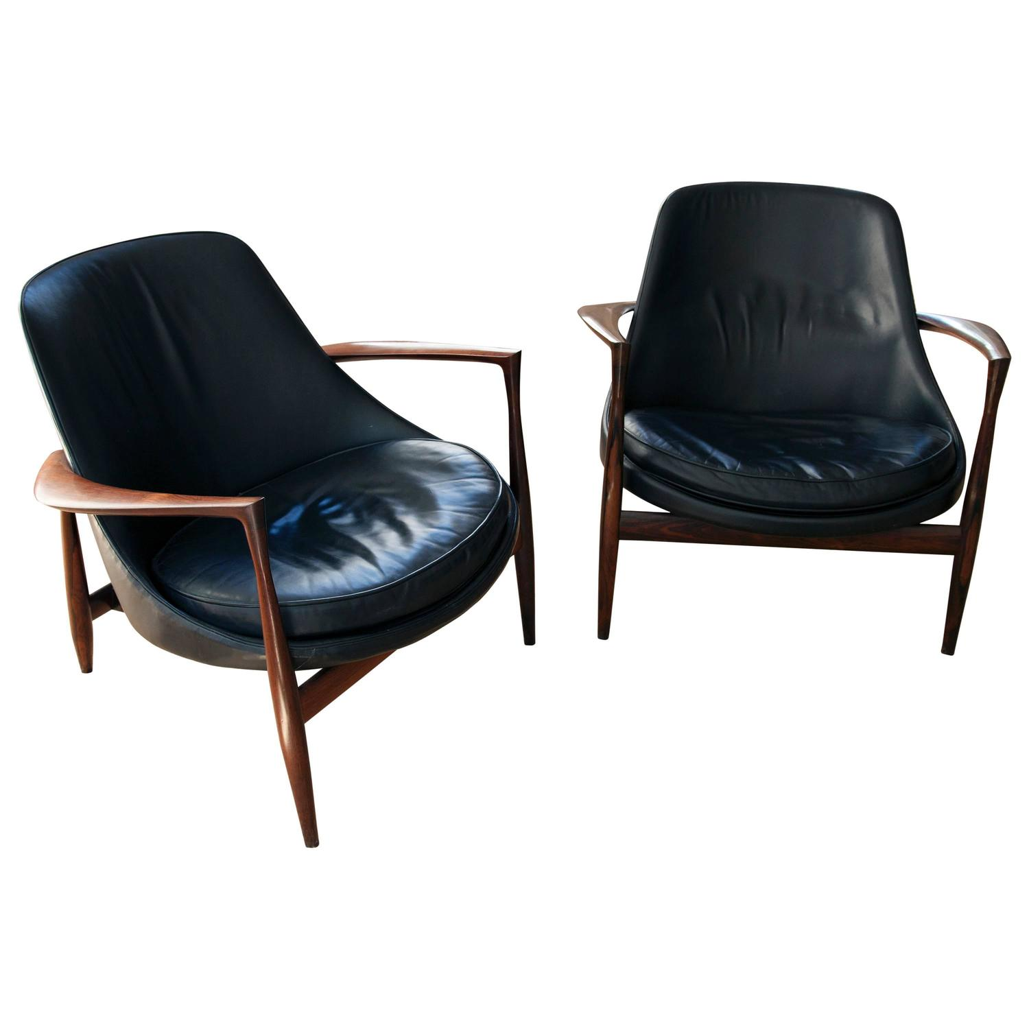 This sculptural pair of lounge chairs by ib kofod larsen is no longer - Exceptional Pair Of Rosewood Elizabeth Chairs By Ib Kofod Larsen At 1stdibs