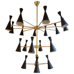 Large Italian Mid-Century Style Brass Chandelier