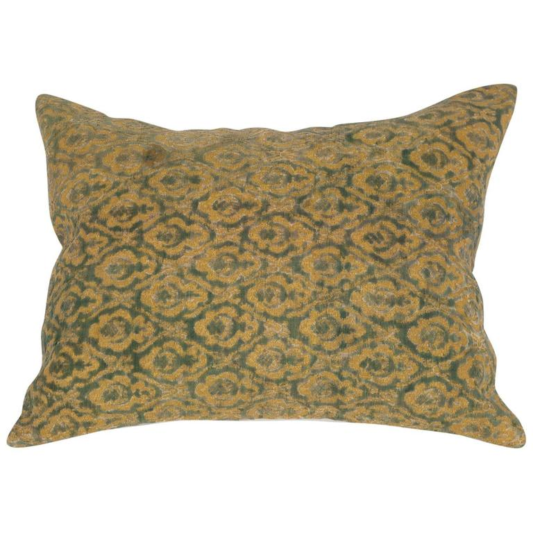 Early 20th Century Central Asian Cut Velvet pillow For Sale