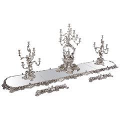 Queen Adelaide Garniture