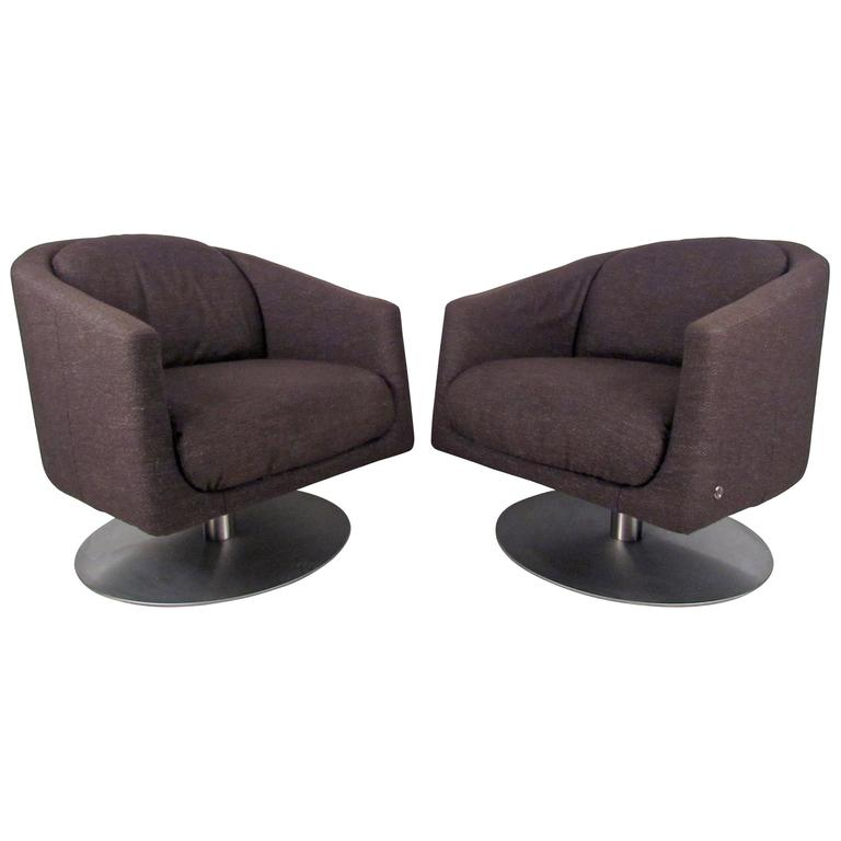 Attirant Pair Of Mid Century Natuzzi Swivel Lounge Chairs