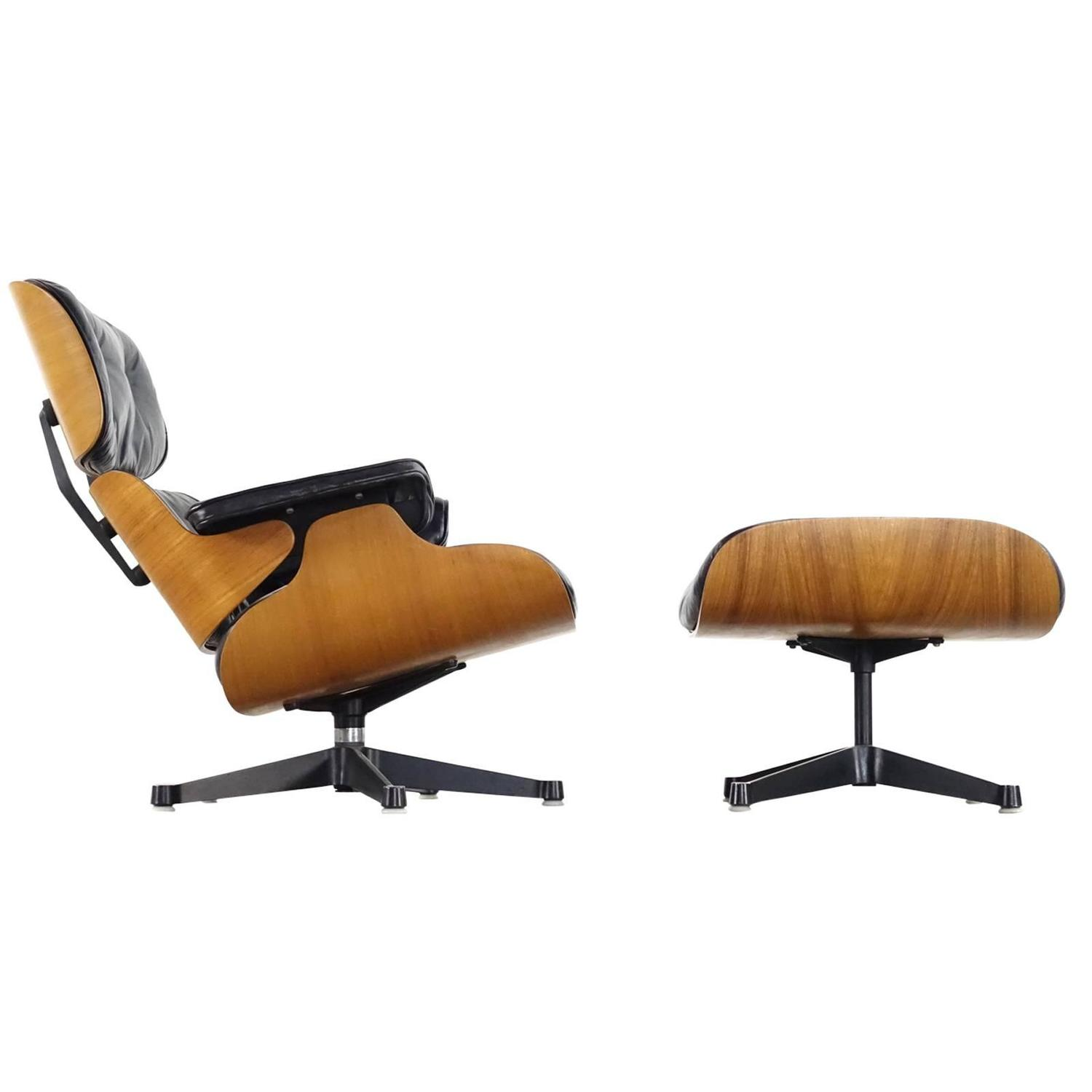 Very early charles and ray eames lounge chair from contura for Eames chair deutschland