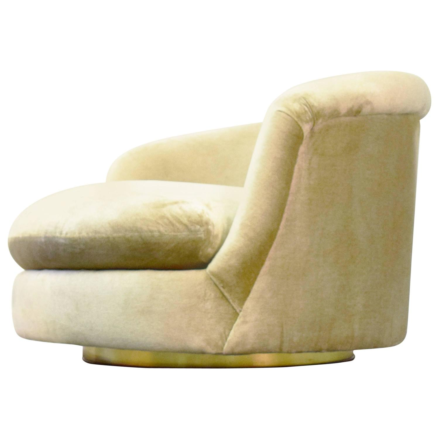 Milo Baughman Swivel Lounge Chair at 1stdibs