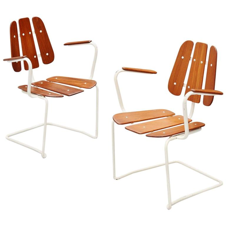 Stupendous Swedish Cantilevered Garden Chairs In Teak 1960 At 1Stdibs Inzonedesignstudio Interior Chair Design Inzonedesignstudiocom