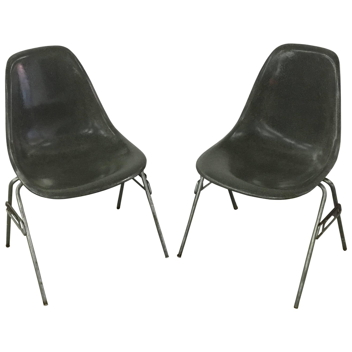 Two herman miller eames dss chairs in elephant grey at 1stdibs - Fauteuil herman miller ...