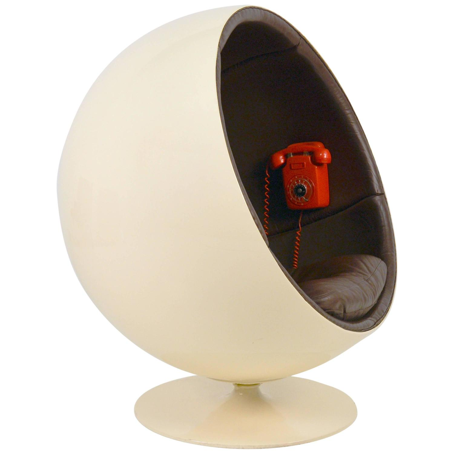 extremely rare ball chair by eero aarnio made by asko with phone for sale at 1stdibs. Black Bedroom Furniture Sets. Home Design Ideas