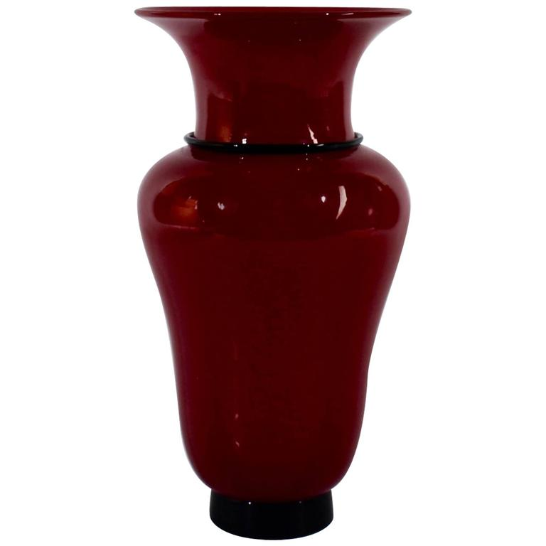 Model 3321 Red and Black Glass Vase by Tomaso Buzzi for Venini, 1950s