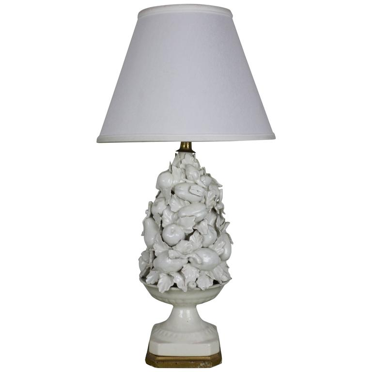 Spanish 1950s White Ceramic Table Lamp with Gilt Wooden Base For Sale