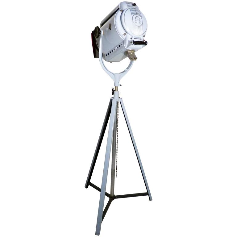Belgian movie or theater spot light by adb from 1950s at 1stdibs - Deco volwassen kamer man ...
