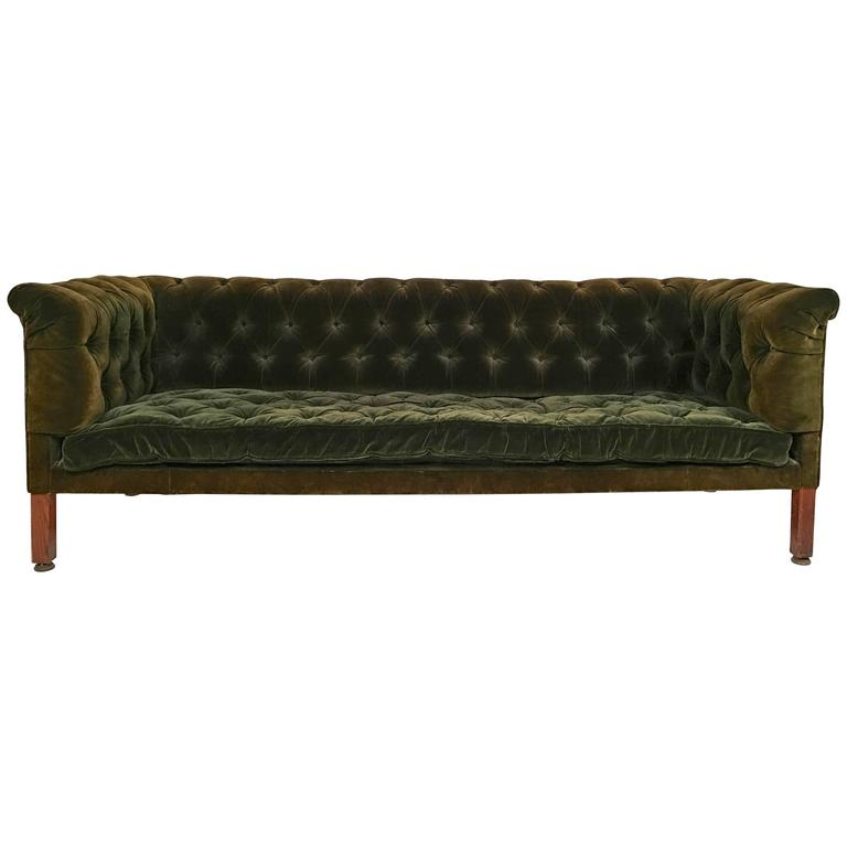 19th century green tufted velvet chesterfield sofa at 1stdibs. Black Bedroom Furniture Sets. Home Design Ideas