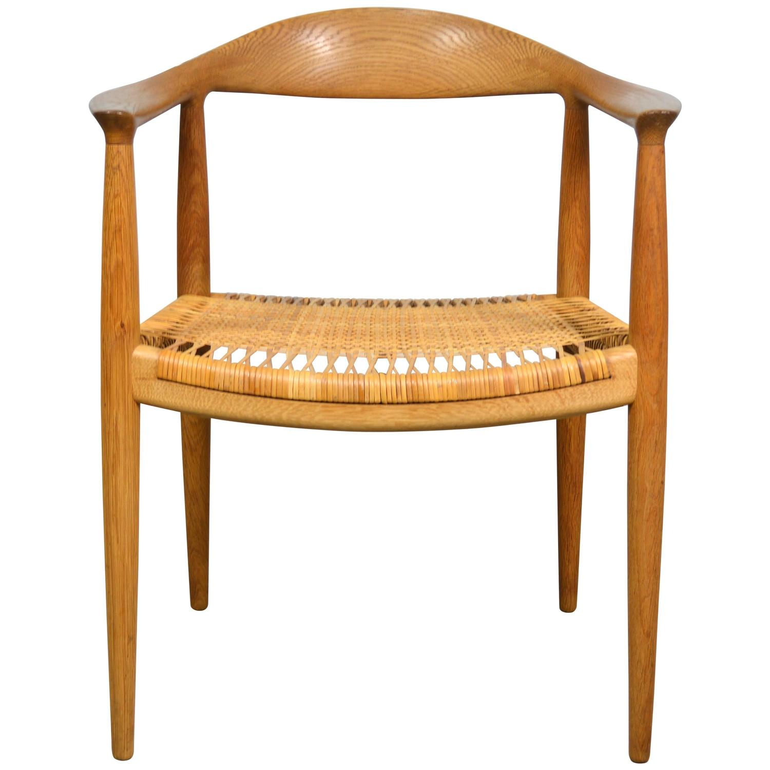 Hans Wegner Quot Round Quot Chair In Oak And Cane At 1stdibs