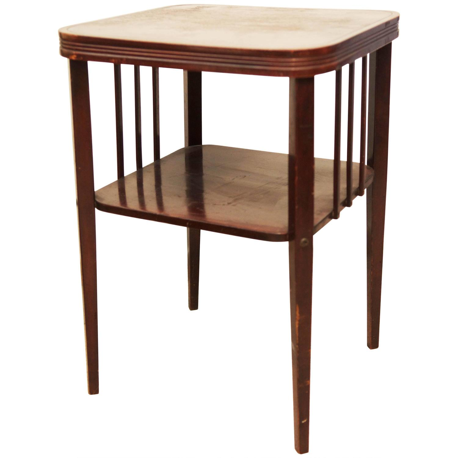 Beautiful small table by thonet for sale at 1stdibs for Table thonet