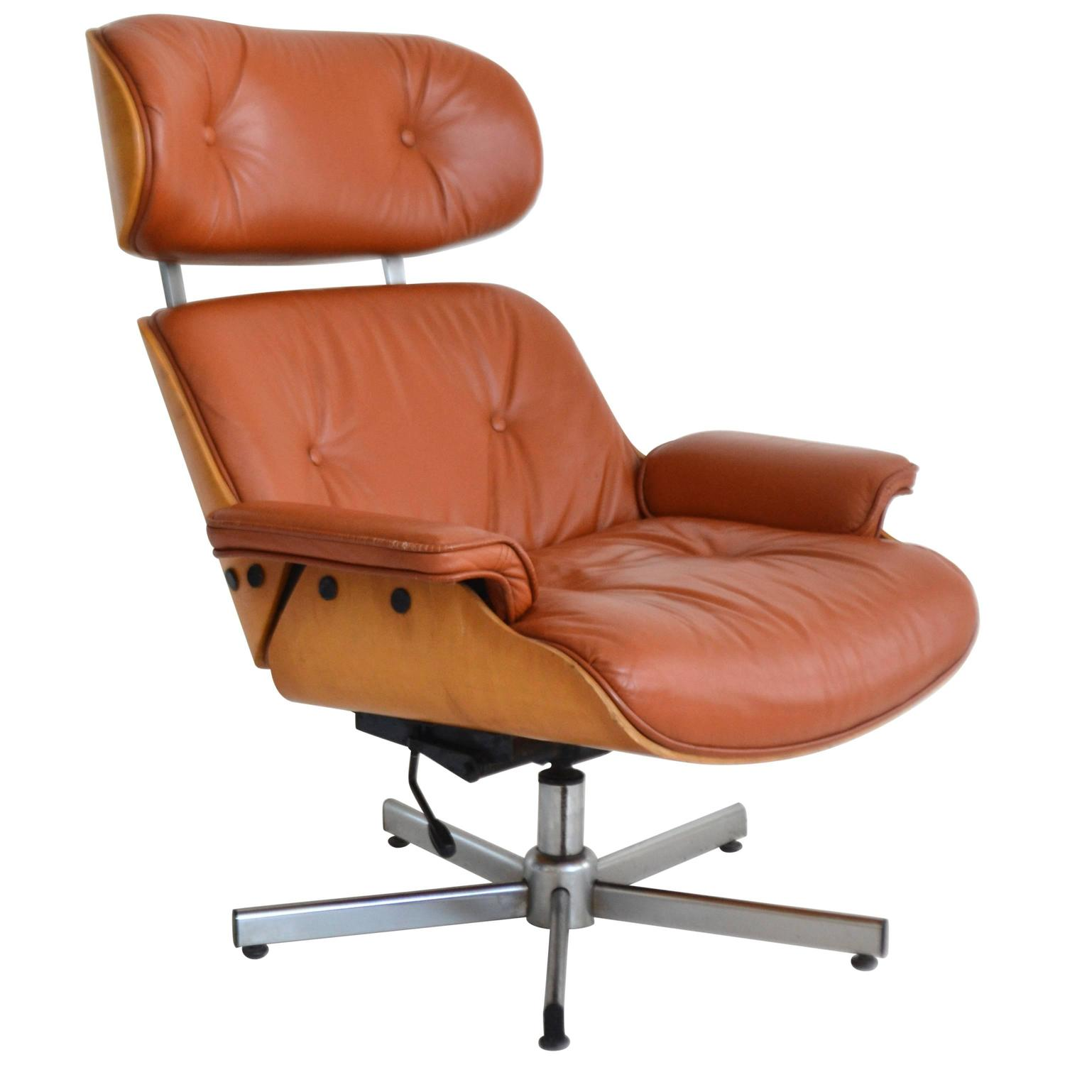 italian mid century leather and oak lounge chair for sale at 1stdibs