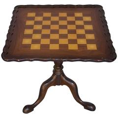 Queen Anne St. Pie Crust Game Table