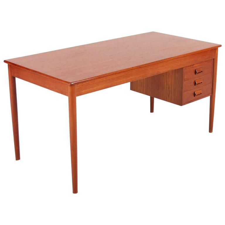 Børge Mogensen Teak Desk, Model 131 for Søborg Møbelfabrik, 1960s