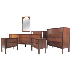 Stylish Mid-Century Modern Seven-Piece Bedroom Set