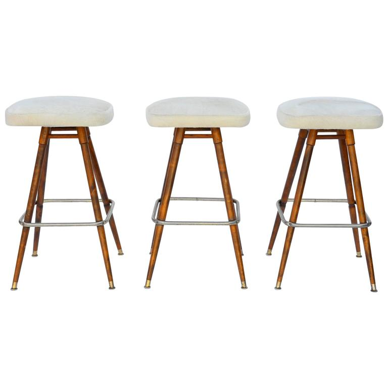 Set of Three Swiveling White Hide Bar Stools at 1stdibs : 4245353l from www.1stdibs.com size 768 x 768 jpeg 28kB