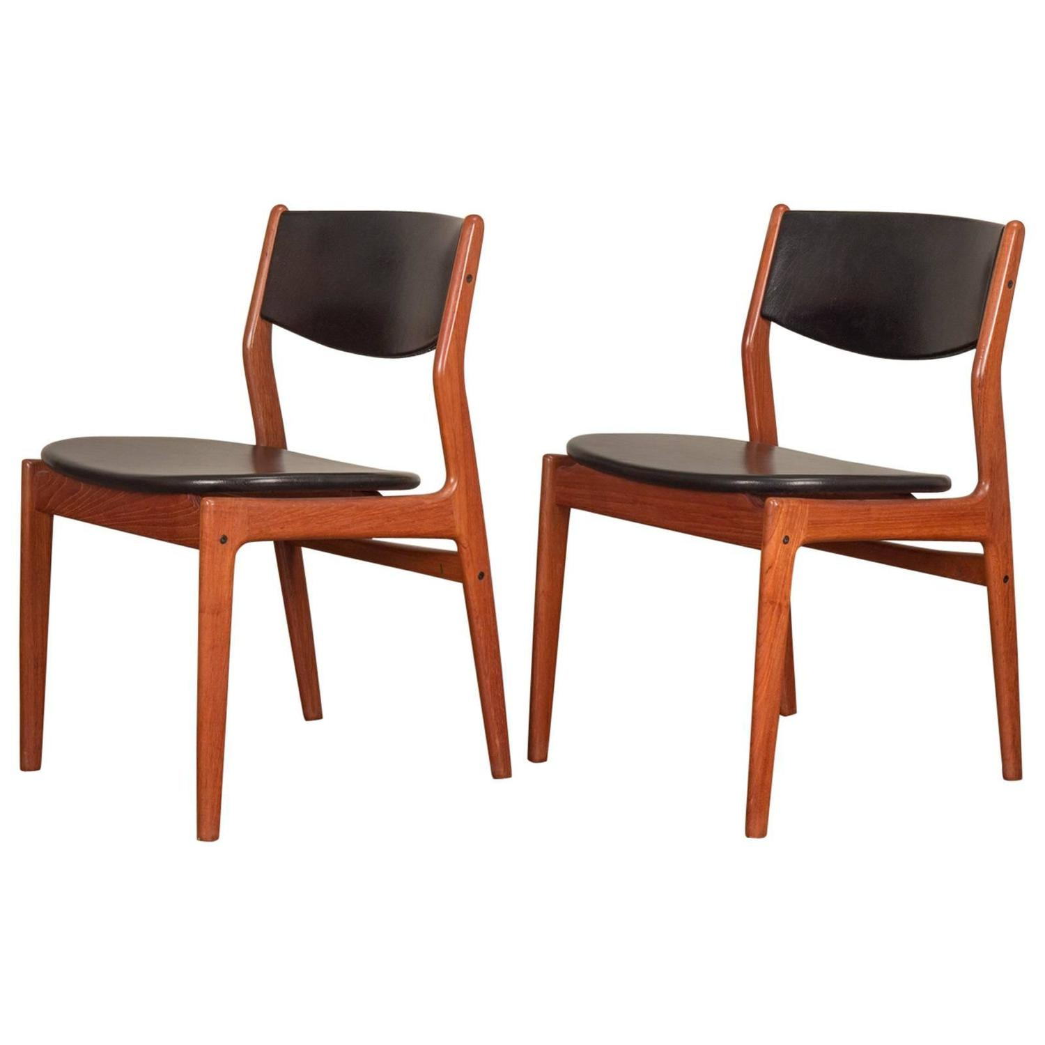 pair of danish modern teak dining chairs at 1stdibs
