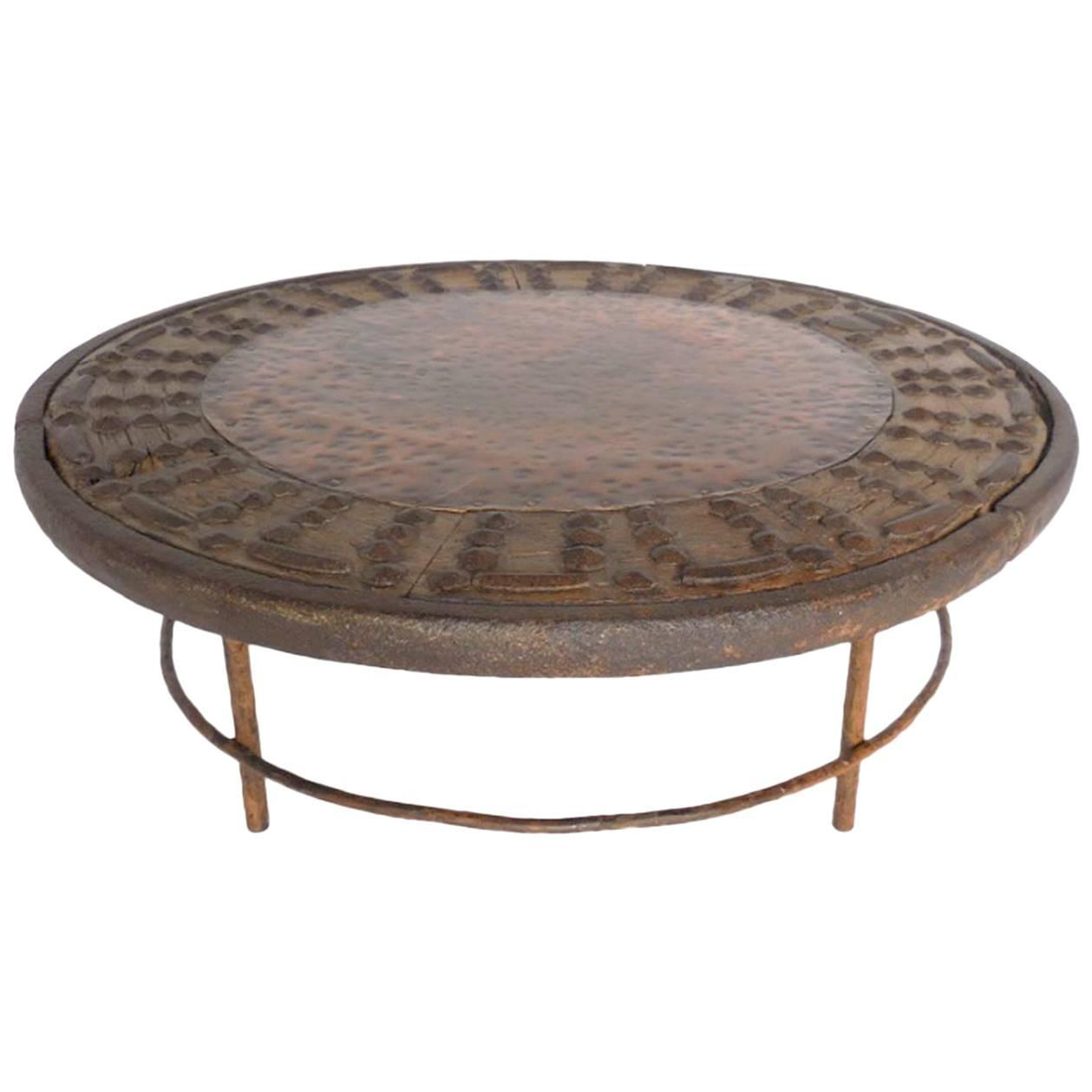 rustic round copper cocktail table for sale at 1stdibs. Black Bedroom Furniture Sets. Home Design Ideas