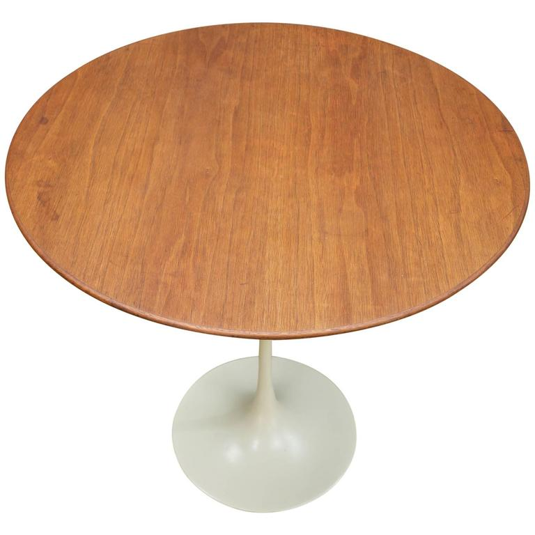 Eero Saarinen For Knoll Associates Walnut Tulip Pedestal Table At - Walnut tulip dining table