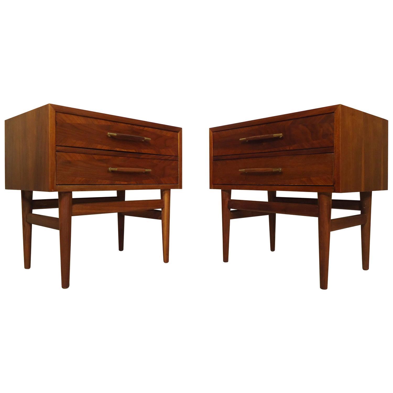 Pair of mid century american of martinsville nightstands for Mid century american furniture