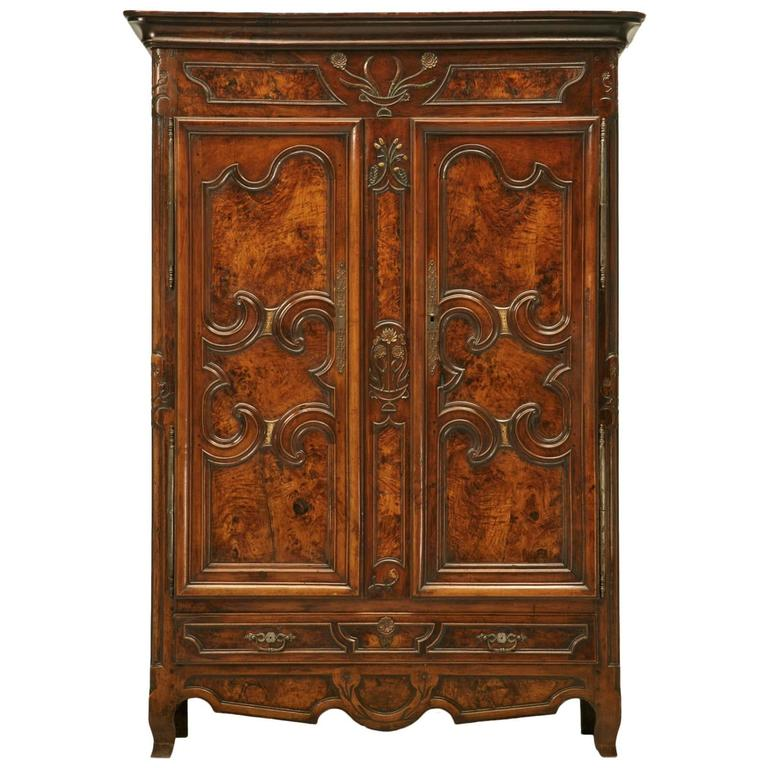 french louis xv armoire circa 1700s for sale at 1stdibs. Black Bedroom Furniture Sets. Home Design Ideas