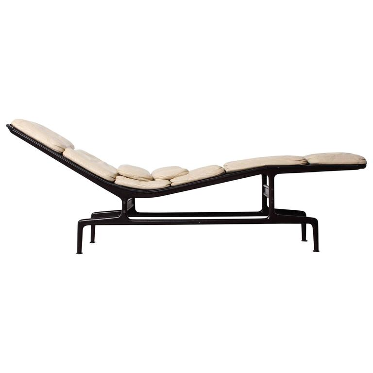 custom billy wilder chaise by charles eames for sale at. Black Bedroom Furniture Sets. Home Design Ideas