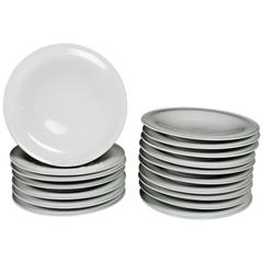 Seventeen Mid-Century Modern Russel Wright Yamato Porcelain Lunch Plates