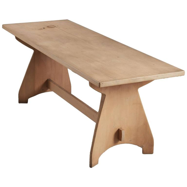 Dining Table in Solid Pine