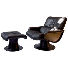 Yrjo Kukkapuro Swivel Chair with Ottoman