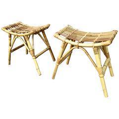 French Riviera, 1950s Beautiful Design Pair of Wicker Stools in Mint Condition