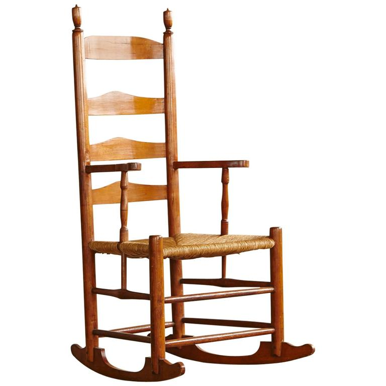 Early American Ladder Back Rocking Chair with Rush Seat, circa 1830 For Sale - Early American Ladder Back Rocking Chair With Rush Seat, Circa 1830
