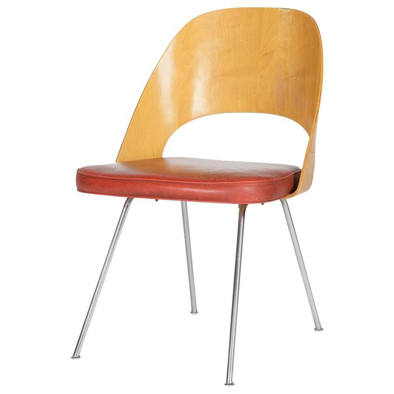 All Original Eero Saarinen Knoll Executive Side Chair Moulded Plywood For  Sale