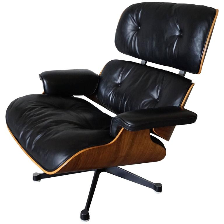 model 670 lounge chair by charles and ray eames for vitra 1970s at 1stdibs. Black Bedroom Furniture Sets. Home Design Ideas