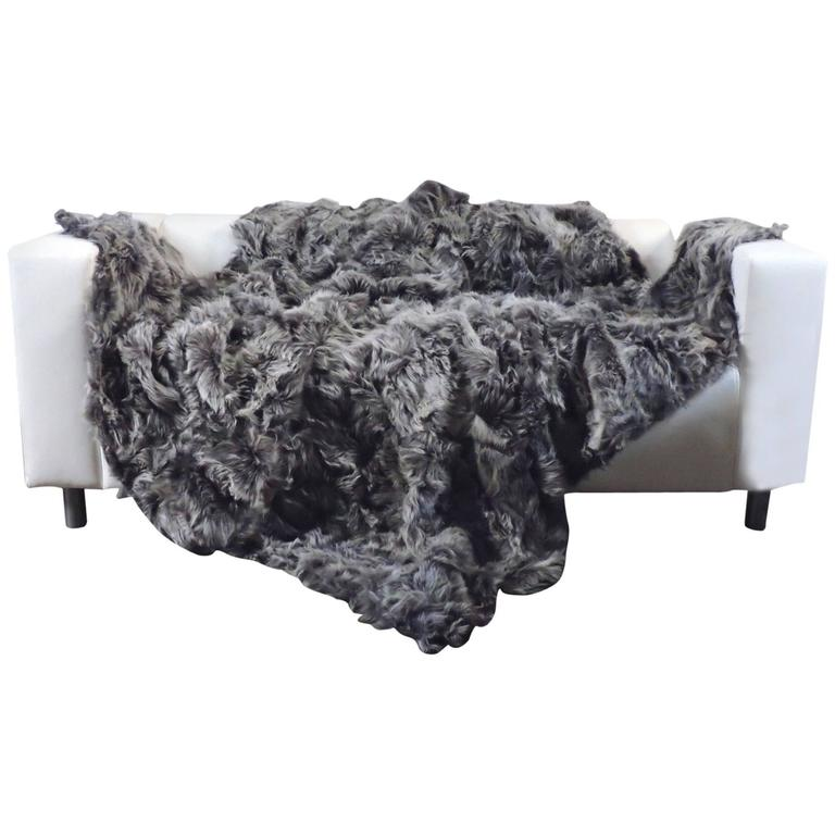 contemporary toscana lambskin dark mixed gray throw blanket large for sale at 1stdibs. Black Bedroom Furniture Sets. Home Design Ideas
