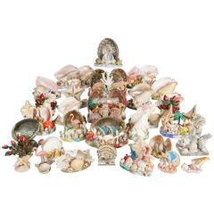 Collection of 30 Vintage Shell, Coral and Plastic Sea Side Souvenir Sculptures