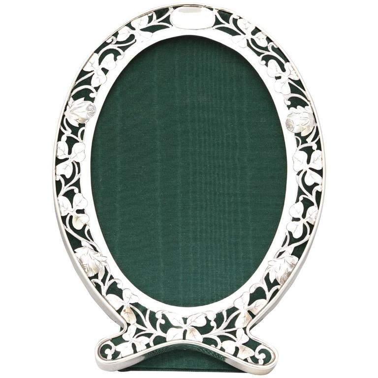 Art Nouveau Sterling Silver Pierced Footed Oval Picture Frame For Sale