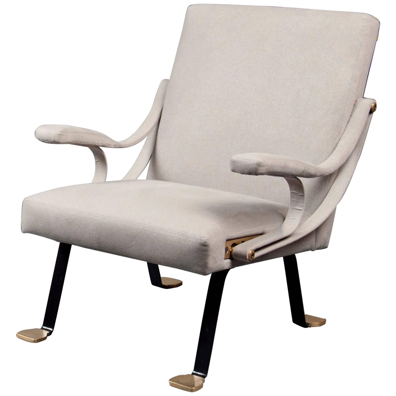 Single digamma armchair by ignazio gardella gavina for Single armchairs
