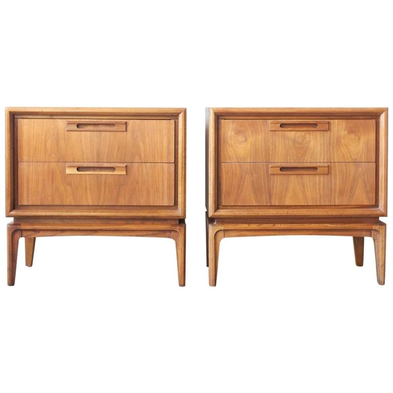 Mid century american walnut end tables at 1stdibs for Mid century american furniture