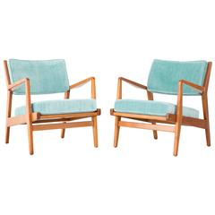 Set of Mid-Century Modern Jens Risom Walnut Lounge Chairs