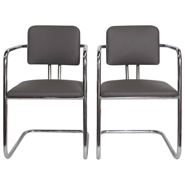 Pair Of Signed Cantilevered Streamline Gilbert Rohde For Troy Sunshade  Chairs For Sale