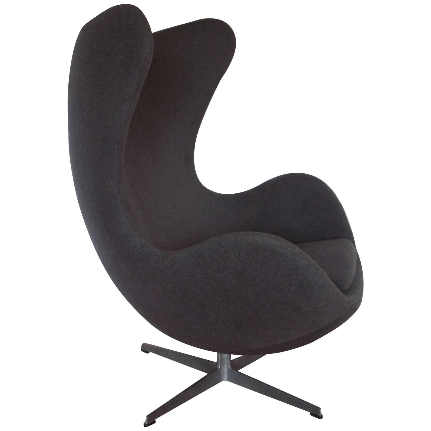 original vintage arne jacobsen egg chair for fritz hansen denmark for sale at 1stdibs. Black Bedroom Furniture Sets. Home Design Ideas