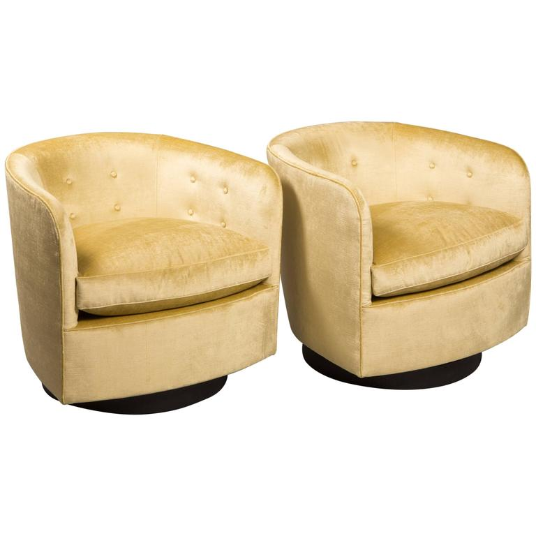 Pair of Milo Baughman Style Swivel Chairs 1