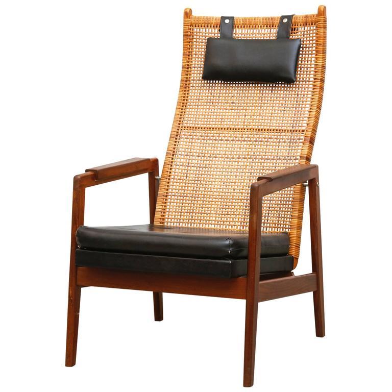 Muntendam Mid Century Rattan Lounge Chair at 1stdibs