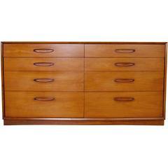 Henredon Mid-Century Modern Walnut Dresser