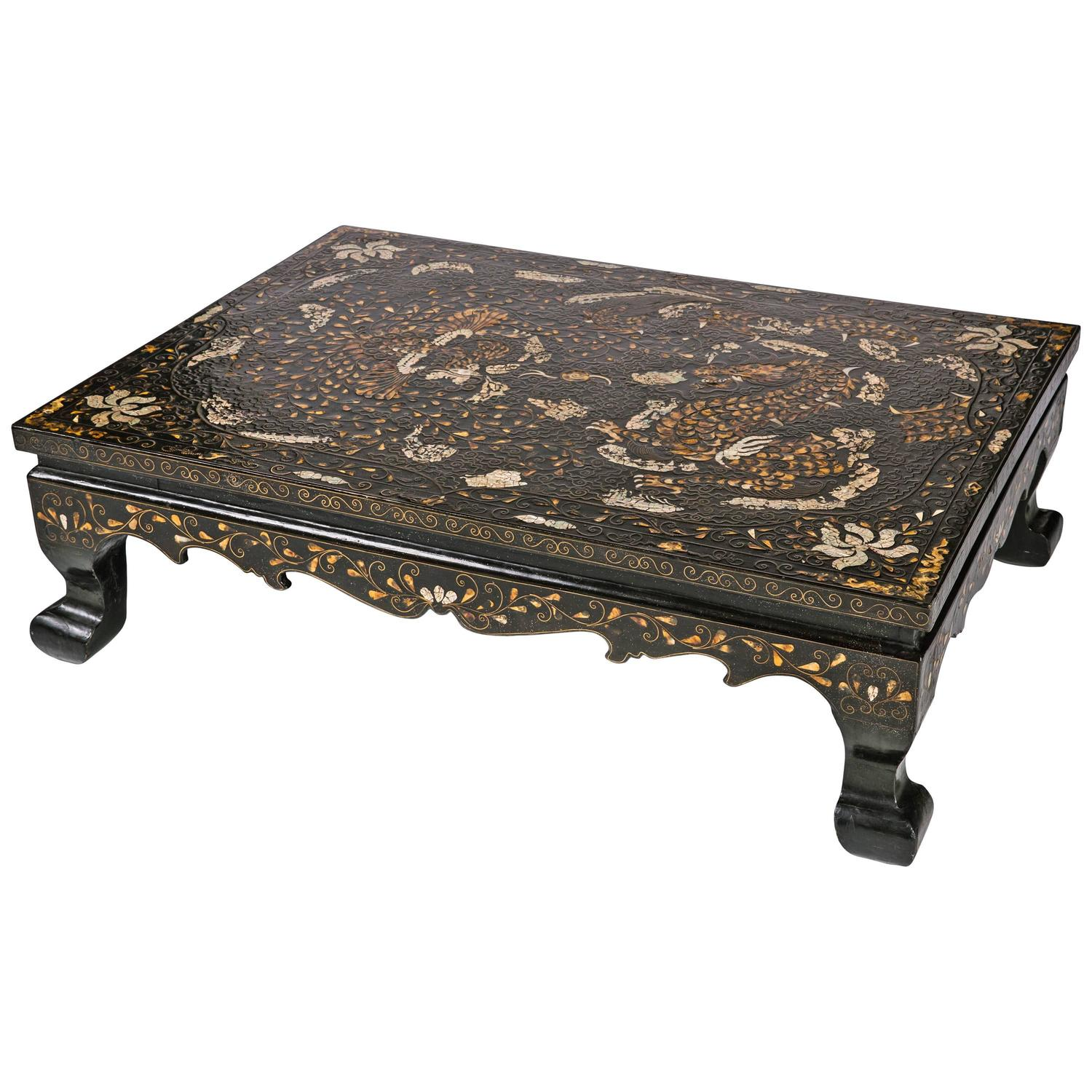 19th Century Low Korean Lacquered and Inlaid Coffee Table For Sale