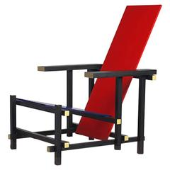 Redblue Chair by Gerrit Rietveld