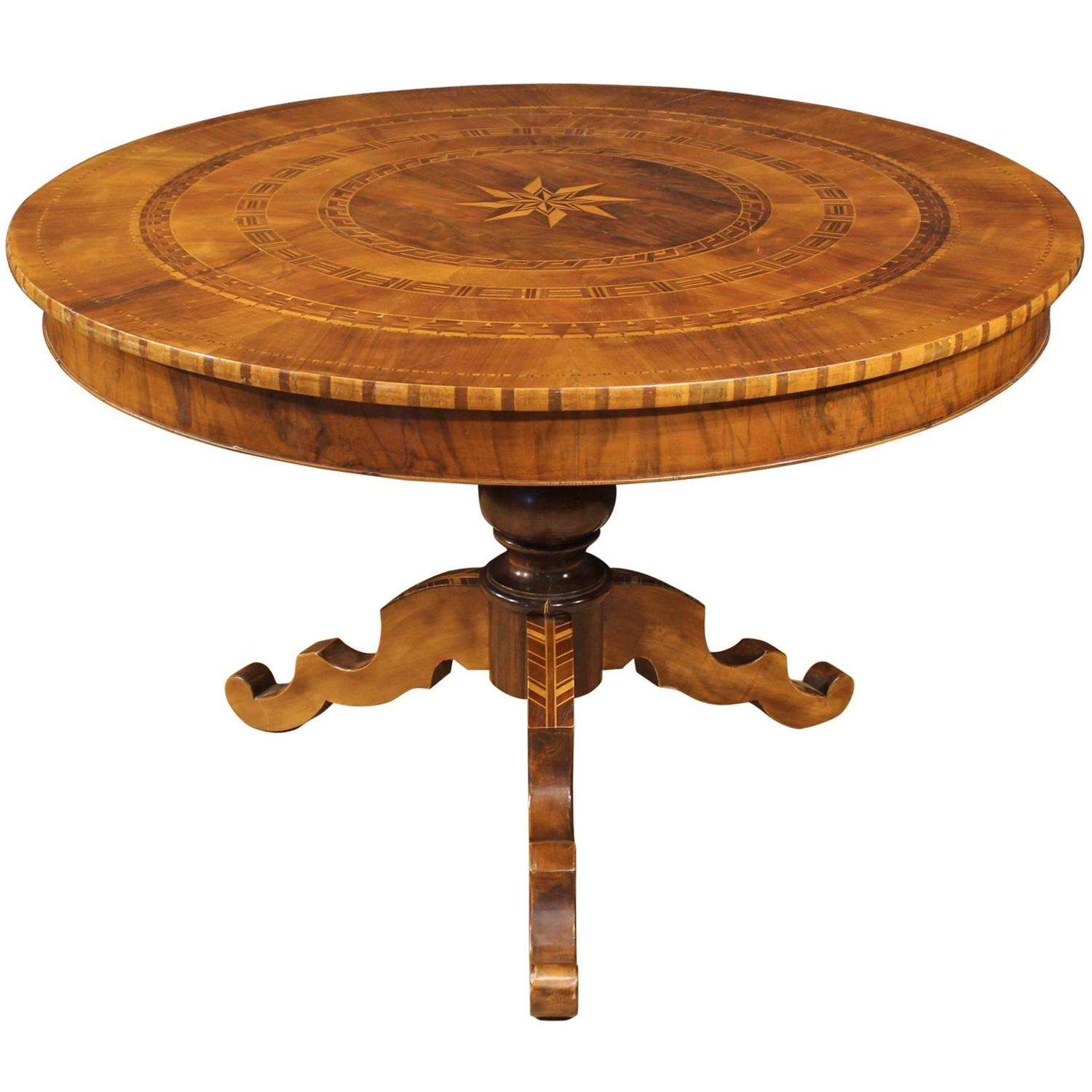 Th century inlaid wood table with geometric decorations
