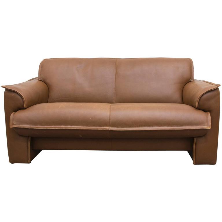 leolux buffalo leather loveseat at 1stdibs. Black Bedroom Furniture Sets. Home Design Ideas